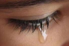 ...ένα δάκρυ για την Ελλάδα που χάνεται... αμαχητί