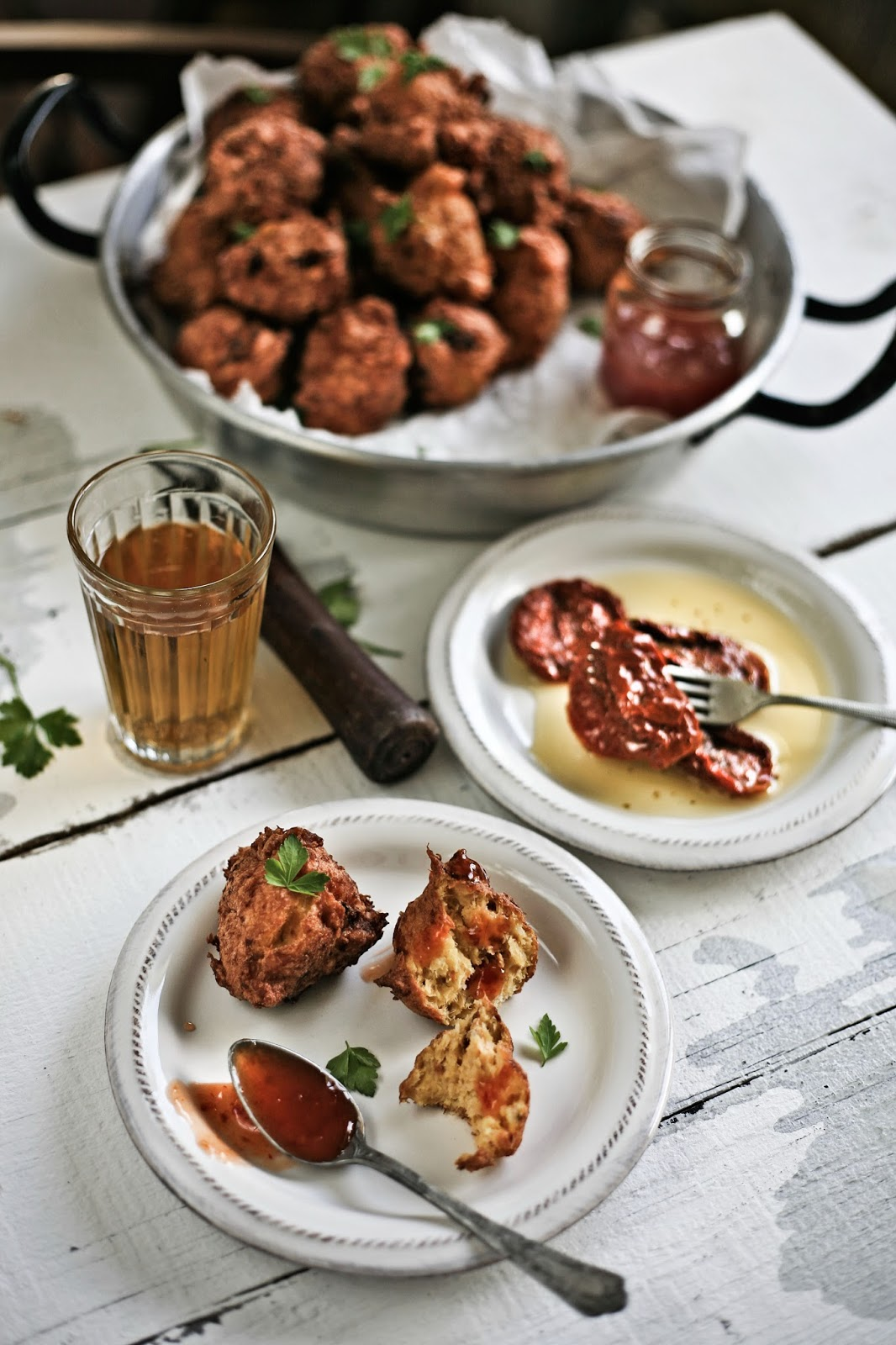 fritos de bacalhau com chili e tomates secos # cod, chili and sun dried tomatoes fritters