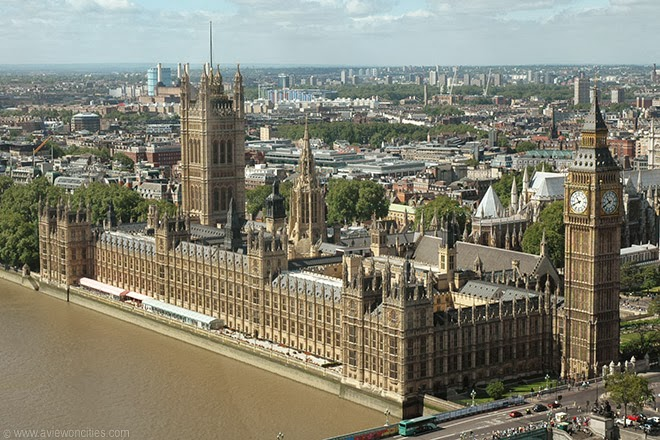 Houses-of-Parliament-seen-from-London-Eye