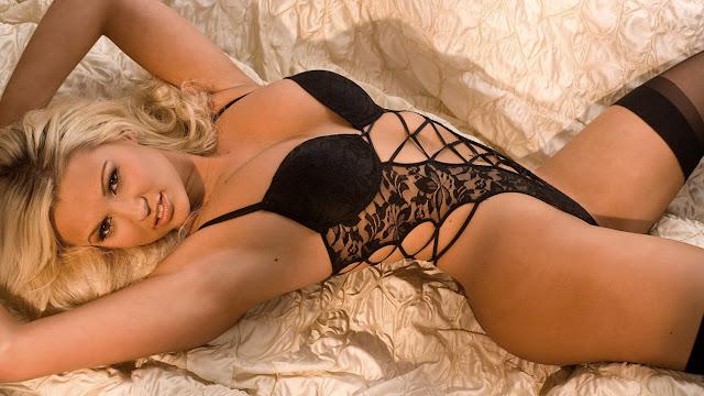 Sexy Model Cara Brett