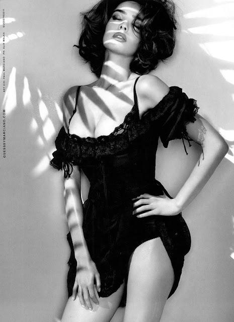 France Model Sabrina Nait