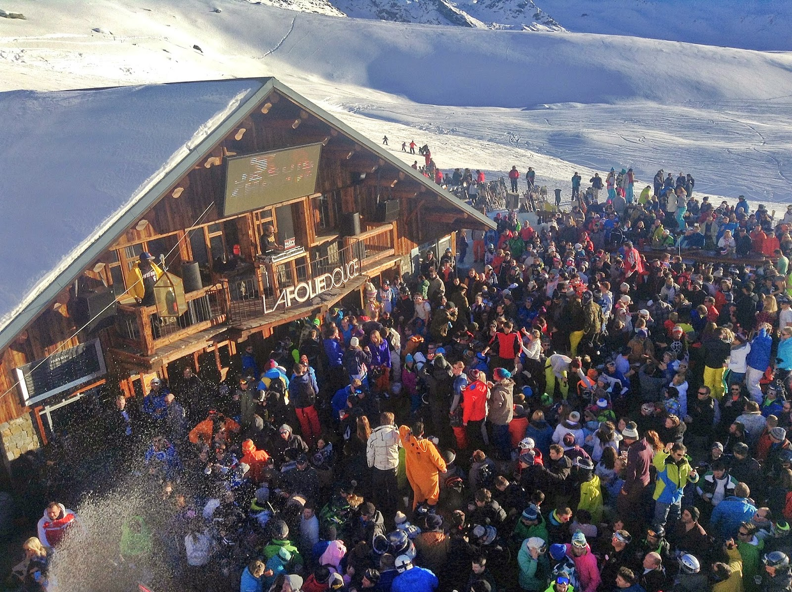 Valthorens party at la Folie Douce