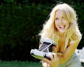 Kristen Bell Tongue takes Photo HD Wallpaper