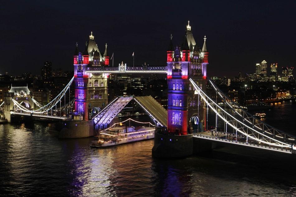 Torre de Londres Britain_tower_bridge__fran