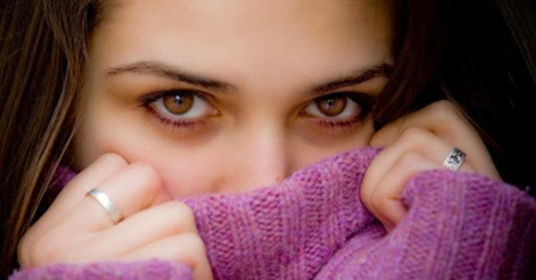 Mata wanita lelah