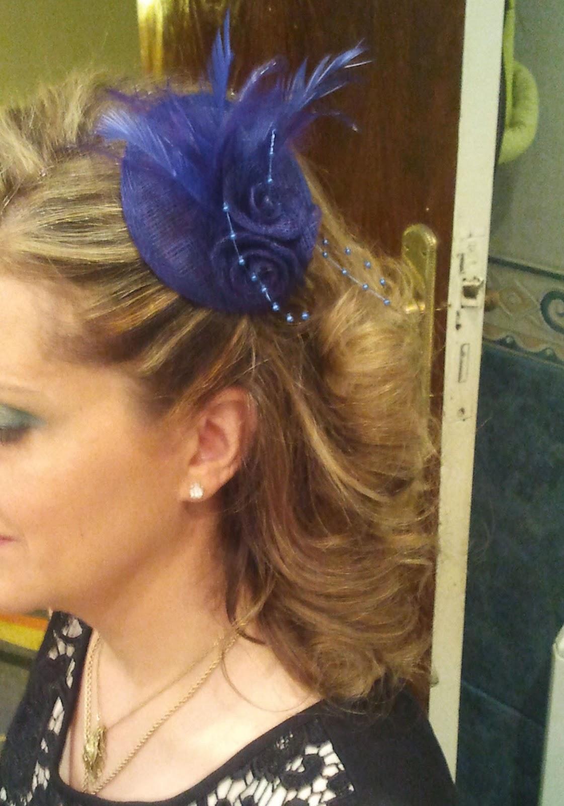 Peinados de comunion con tocado al lado