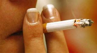 Bagaimana Hukum Merokok Saat Berpuasa