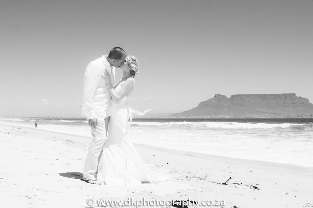 DK Photography CCD_8930 Preview ~ Sally & Pieter's Wedding on Blouberg & Dolphin Beach  Cape Town Wedding photographer