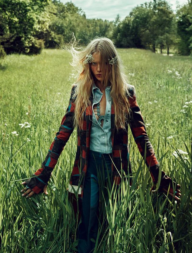 Camilla-Christensen-ELLE-Sweden-October-2015-Editorial15