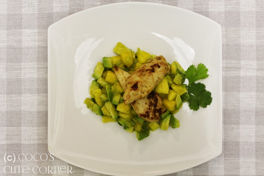 Avocado Mango Salad with Chicken