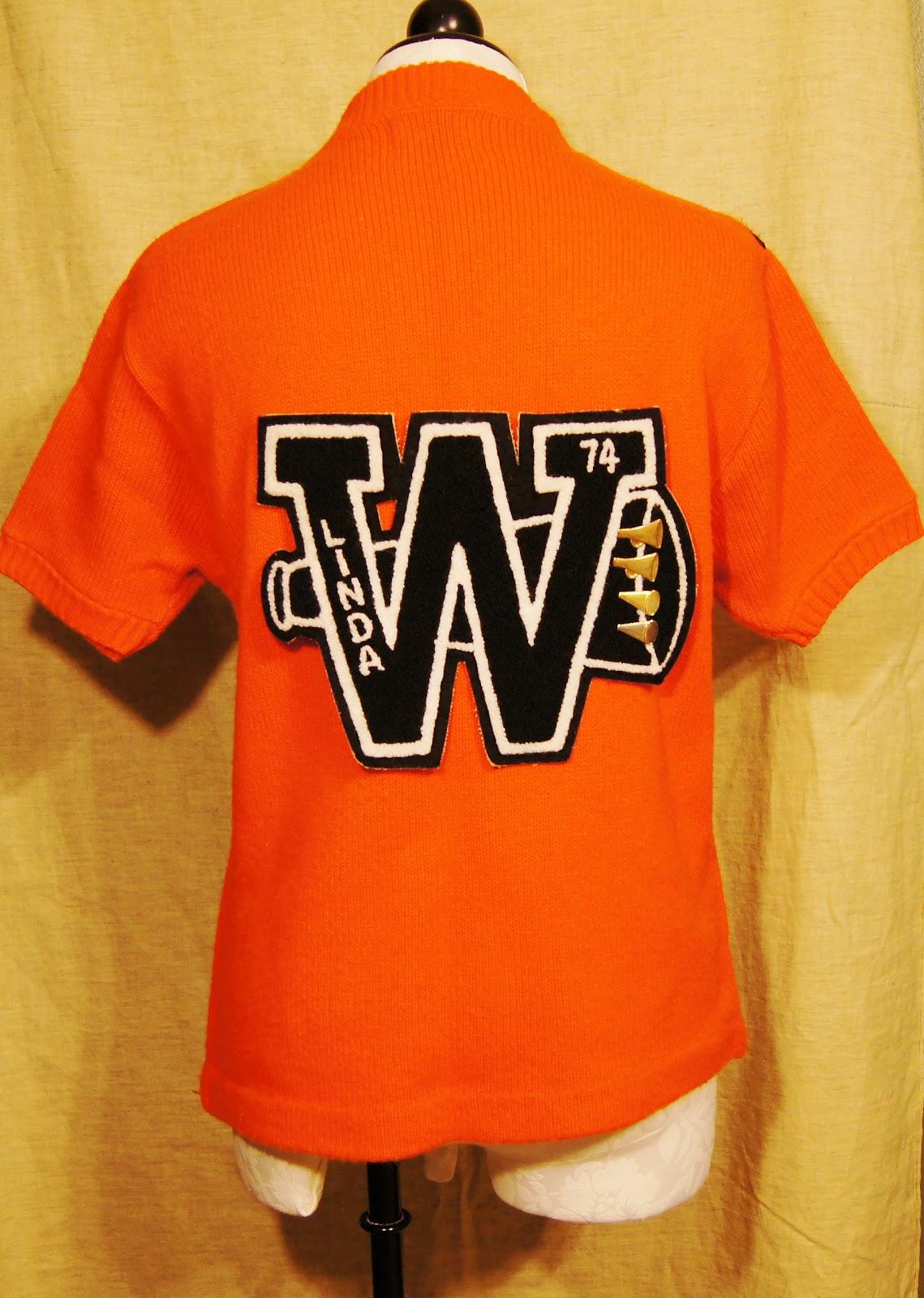 http://3.bp.blogspot.com/-5Y9-PvUzZ5E/TtxLk11cHGI/AAAAAAAAALE/_fPU4Lx2afQ/s1600/cheer%2Bsweater%2Bback%2Bletter.JPG