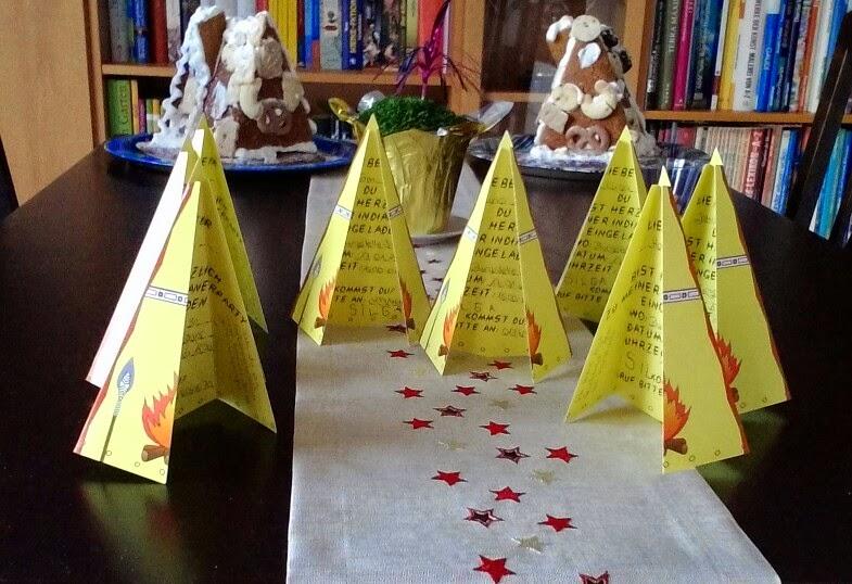 Die Einladungskarten Bilden Ein Kleines Indianerdorf