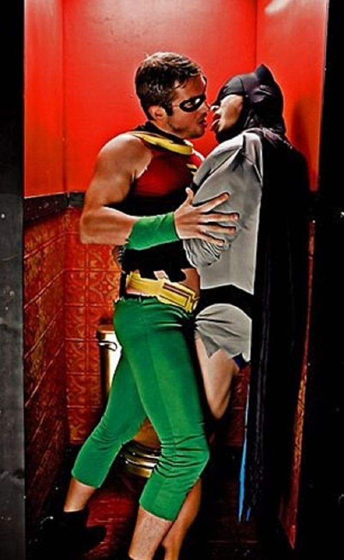 http://3.bp.blogspot.com/-5YBfTBqF5Kk/UI5yEun4KXI/AAAAAAAAkeQ/APTUZvW-8Pk/s1600/Batman%2Band%2BRobin.jpg