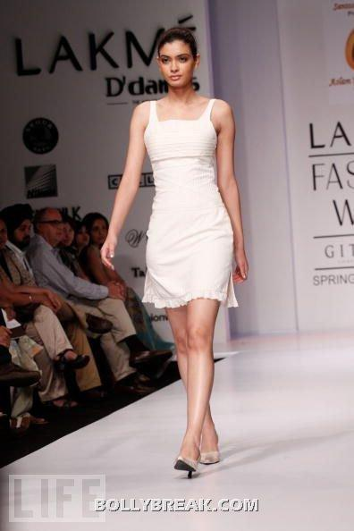 Diana Penty in white dress - (10) - Diana Penty Hot Pics - Model Ramp Walk Fashion Show