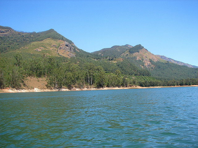 munnar lake: Book Munnar holiday package