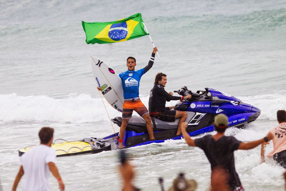27 Quiksilver Pro Gold Coast 2015 Filipe Toledo Foto WSL Kelly Cestari