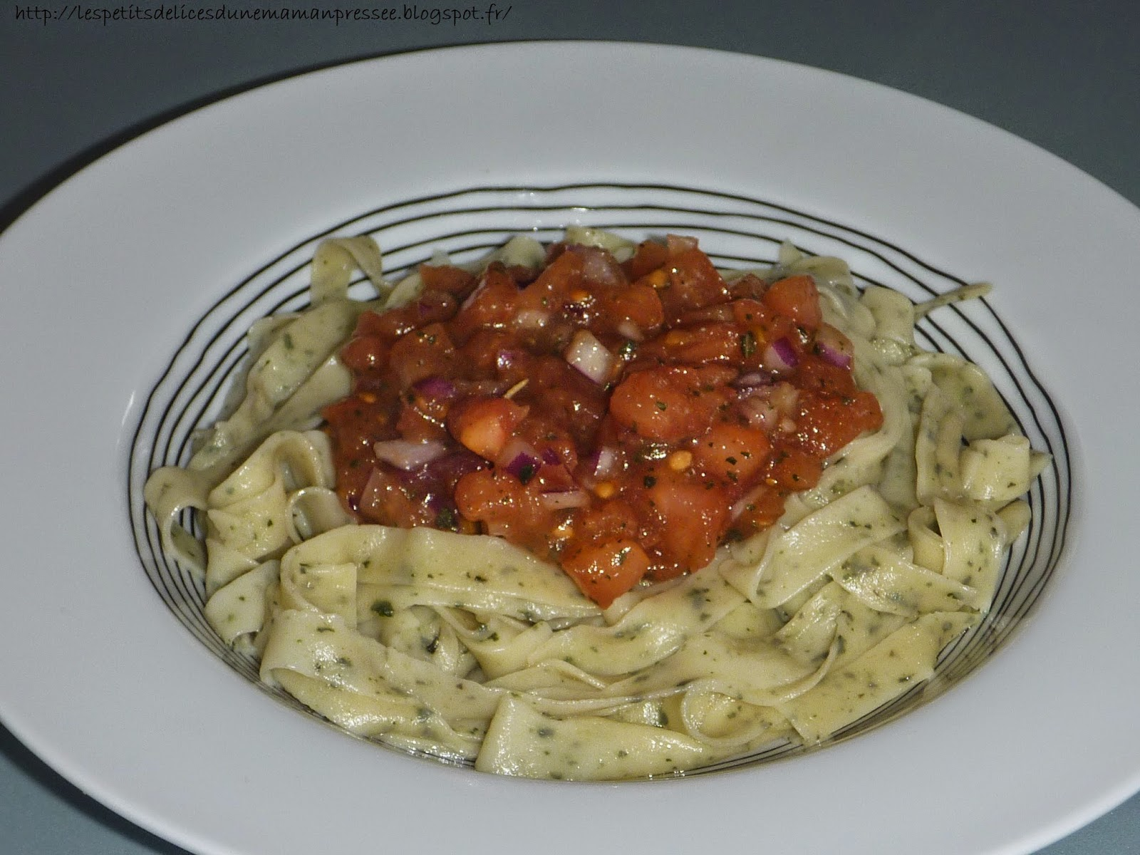 les petits delices d une maman pressee p 194 tes fra 206 ches au basilic sauce tomate fraiche