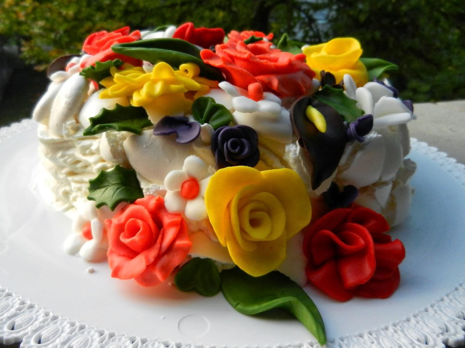 Top Colazione di Luigi: Fiori in Ottobre, la torta di compleanno RT13