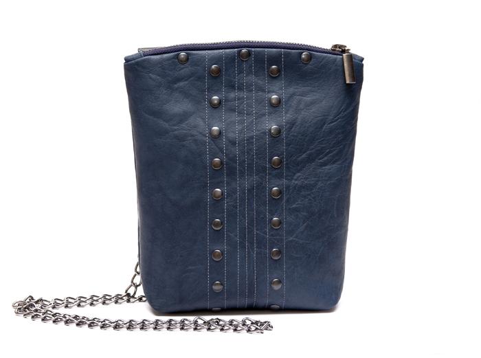 Сшила небольшую удлиненную сумочку.  Прототипом стал клатч.
