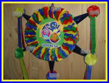 y aqui hay venta de piñatas