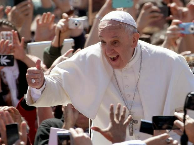 Pope Again calls for the redistribution of world's wealth; ignores Vatican's Billions