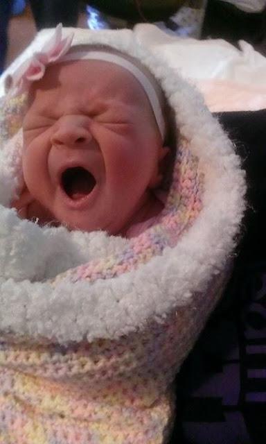 Madre en estado de coma reacciona al escuchar el llanto de su bebé
