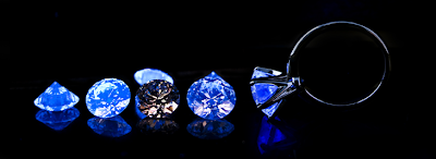 Fluorescent diamonds
