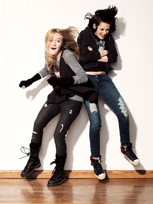 Kristen Stewartbirthday on Livelovekstew  Happy Birthday To Kristen Stewart S Bff Dakota Fanning