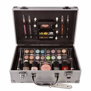 http://www.fapex.es/makeup-trading/schmink-set-alu-case-lote-cosmetico-i/