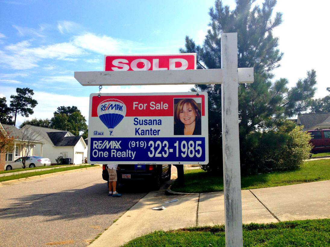 remax-sold-sign