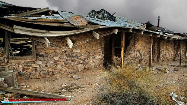 Penampakan Hantu di Tambang Emas Tua Vulture Mine Penampakan Hantu di Tambang Emas Tua Vulture Mine