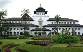 Keunikan Gedung Sate Bandung Jawa Barat