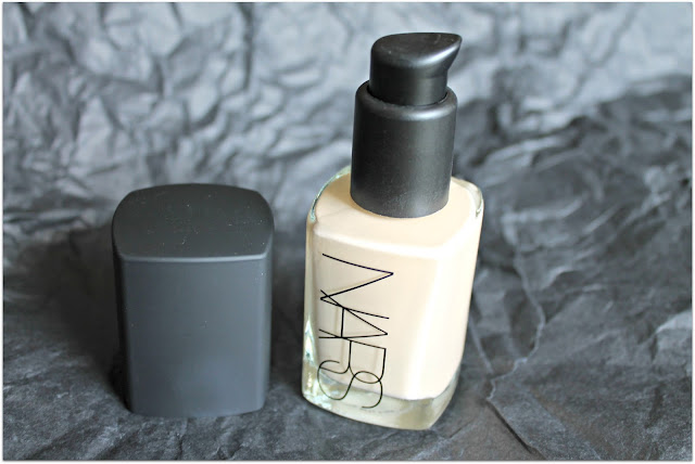Nars Sheer Glow Foundation in Siberia