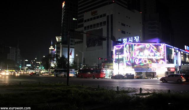 Mercado de Dongdaemun de noche