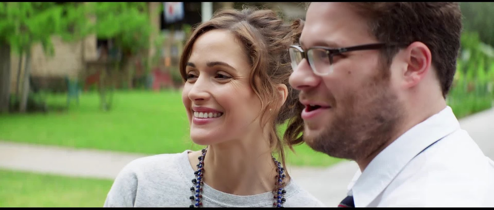 Bad Neighbours 2014 or Neighbours 2014 Movie Trailer Captures