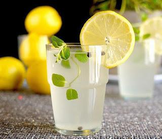 http://3.bp.blogspot.com/-5_7cLkS9PwA/TxrxzGliDXI/AAAAAAAACLQ/3c7SKmfdiVc/s640/lemon-juice.jpg