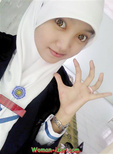 Gambar Mahasiswi Kesehatan Pakai Hijab Terbaru 2014