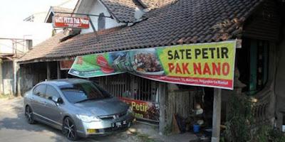 Sate Petir Pak Nano di Jalan Lingkar Selatan Yogyakarta