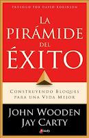 john wooden la piramide del exito construyendo bloques para una vida mejor