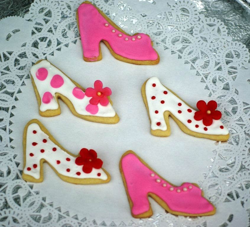 two boys and a beagle more cookies high heel cookies