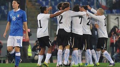 Italy 0 - 1 Uruguay (1)