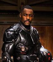 Idris Elba em Pacific Rim