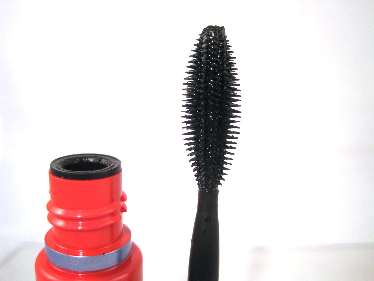 One By One Mascara Before And After Maybelline one by one mascara