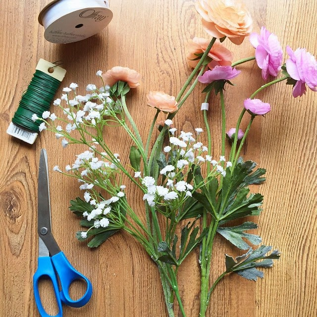 La Petite Fashionista | DIY Flower Crown Tutorial