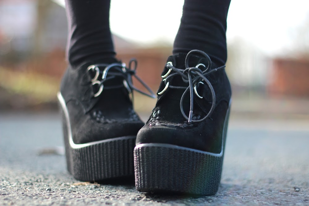 black wedged creepers, creepers