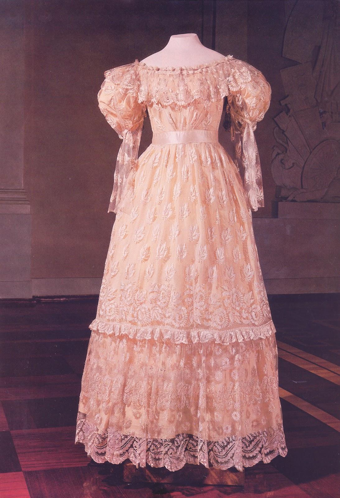 Платья 18
