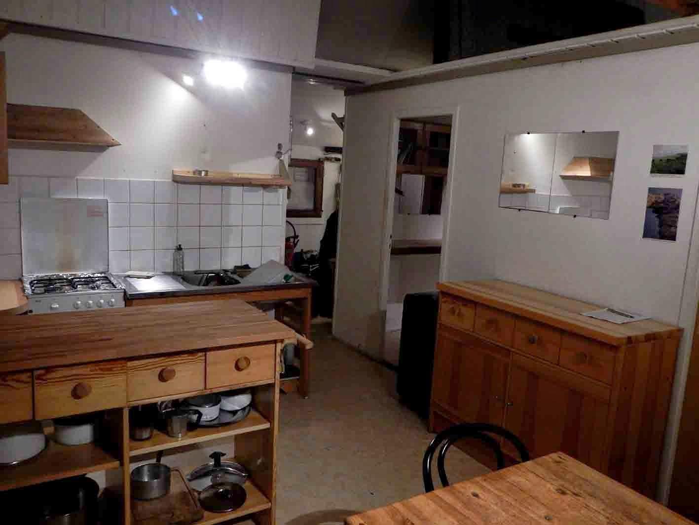 un hivernage aux les kerguelen d j 6 mois. Black Bedroom Furniture Sets. Home Design Ideas