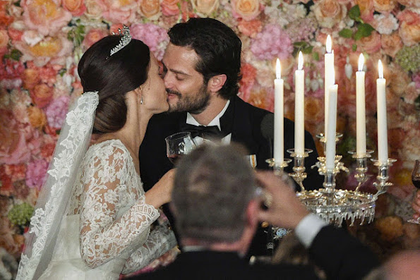 Swedish Royal Family held a wedding dinner in honor of Prince Carl Philip and Princess Sofia
