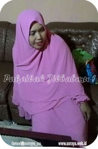 soraya wanita memakai jilbab