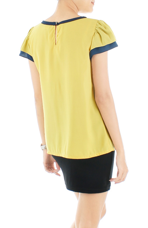 Flyaway Pintuck Blouse - Yellow